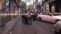 MERMİ - Kağıthane'de silahlı saldırı: 1'i çocuk 3 yaralı