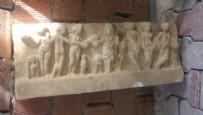 ARKEOLOJI - Çamurun üstünden atlamak için kullandıkları taş Roma eseri çıktı!