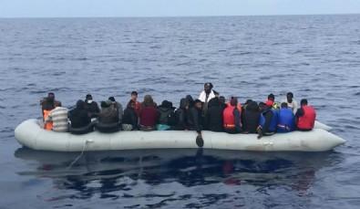 Balıkesir'in Ayvalık ilçesi açıklarında sığınmacıları taşıyan bot battı!