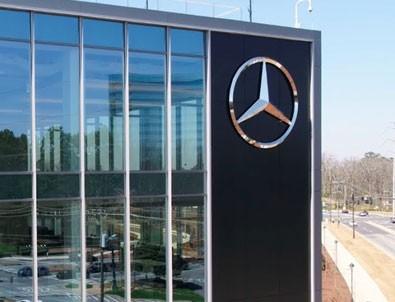 Mercedes'ten 'Siyah' sürprizi!