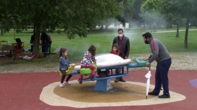Çocuklar Parka, Onlar Mangala Koştu
