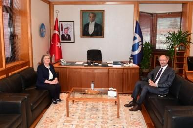 ESTÜ Rektörü Prof. Dr. Tuncay Döğeroğlu'ndan, Rektör Prof. Dr. Erdal'a Hayırlı Olsun Ziyareti