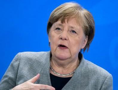 Merkel'den ırkçılık özeleştirisi!