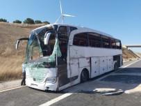 ATATÜRK - Yolcu otobüsü devrildi: 33 yaralı!