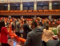 ALLAH - Meclis'te tarihi anlar! Ayakta alkışlandı...
