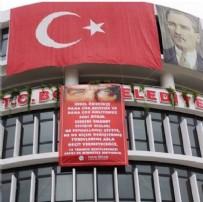 TÜRK BAYRAĞI - CHP'li Başkan FETÖ bahanesiyle cemaatleri hedef aldı!