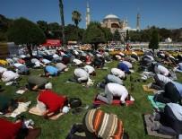 KÜLTÜR BAKANı - Ayasofya Camii'nde ilk cumayı o manşetle duyurdular!