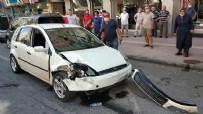 DİREKSİYON - Otomobil 3 araca çarptı: 3 yaralı