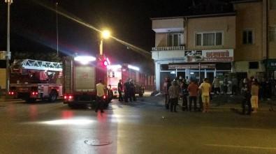 Simit Fırınında Çıkan Yangın Mahalleliyi Sokağa Döktü