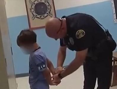 ABD'de 8 yaşındaki engelli çocuğa ters kelepçe