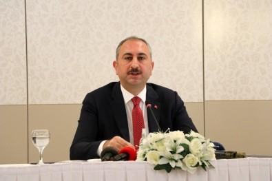 Adalet Bakanı Abdulhamit Gül'den  30 Ağustos Mesajı