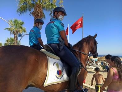 İzmir'de Jandarma Ekipleri Çeşitli Suçlardan Aranan 30 Şüpheliyi Yakaladı