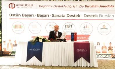 Rektör Prof. Dr. Erdal, Başarı Burslarını Kazanan Öğrencileri Bizzat Arayarak Tebrik Etti
