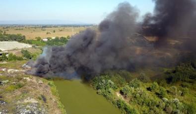 Sakarya'da Çöplük Yangını, Dumanlar Gökyüzünü Kapladı