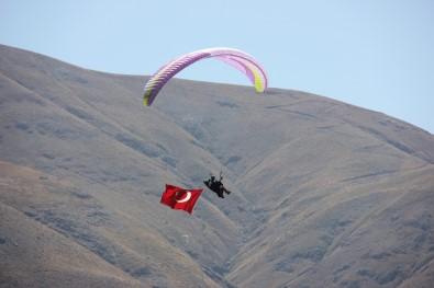 Terörden Temizlenen Dağlar,Yamaç Paraşütüyle Renklendi