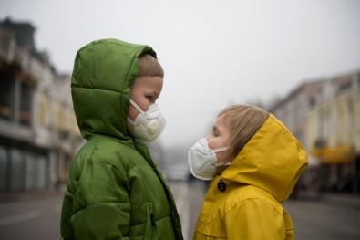 Korkutan araştırma: Çocuklar virüsü haftalarca taşıyabiliyor