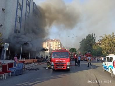 Büyükşehir İtfaiyesi Mobilya Mağazası Yangına Hızlıca Müdahale Etti