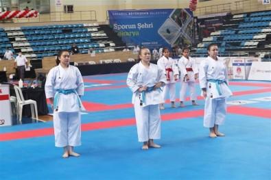 Karatede Türkiye 3'Üncülüğü Gaziosmanpaşa'nın