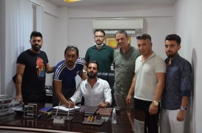 Yenihisarspor Antrenörünü Tanıttı