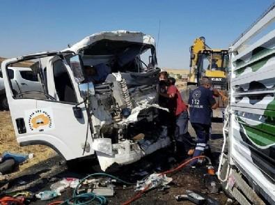 Diyarbakır'da feci kaza ! 2 ölü 2 yaralı