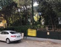 HALİL SEZAİ - Dayakçı Sezai'nin oturduğu villanın kapısındaki ilan şaşırttı!