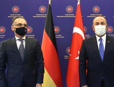 Dışişleri Bakanı Çavuşoğlu Alman mevkidaşı Maas'la telefonda görüştü