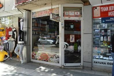 Koronavirüslü bakkal dükkanını açtı, polis ekipleri yakaladı! Şok sözler