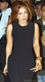 Altın Eldivenli Lady Gaga