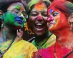 Hindistan'da Renkli Holi Festivali