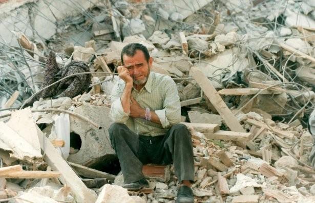 17 agustos - 15 Yıl Önce Türkiyeyi Yasa Boğan Faciadan Kareler