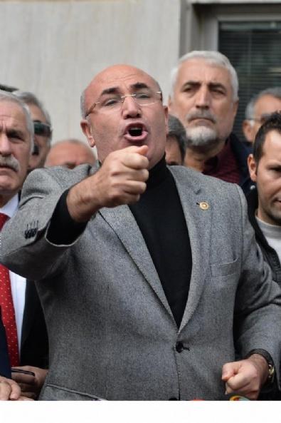 Cumhuriyet Gazetesi Önünde Protesto