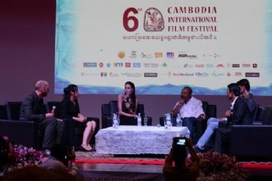 Angelina Jolie Kamboçyada