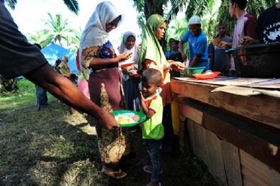Rohingyalı Müslümanlar Kamplarda