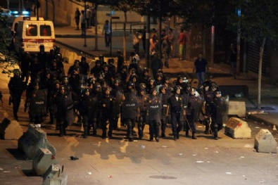Lübnanda Gösterilerin Şiddeti Giderek Artıyor