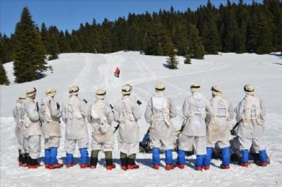 Özel Komando'lar Ilgaz Dağı'nda kış eğitiminde
