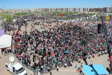 Diyarbakır'da Onbinler Peygamber Sevdasını Haykırdı