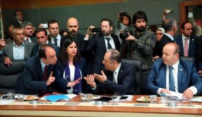 Anayasa Komisyonunda Kavga