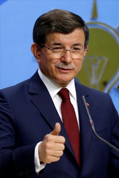 Başbakan Ahmet Davutoğlu Basın Toplantısı Düzenledi