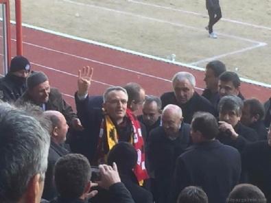 ANKARAGÜCÜ - Bakan Ağbal'ın izlediği maçta inanılmaz olay! 19 yaralı...