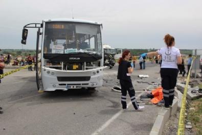 Tekirdağ'da minibüs ile kamyon çarpıştı: 2 ölü 17 yaralı