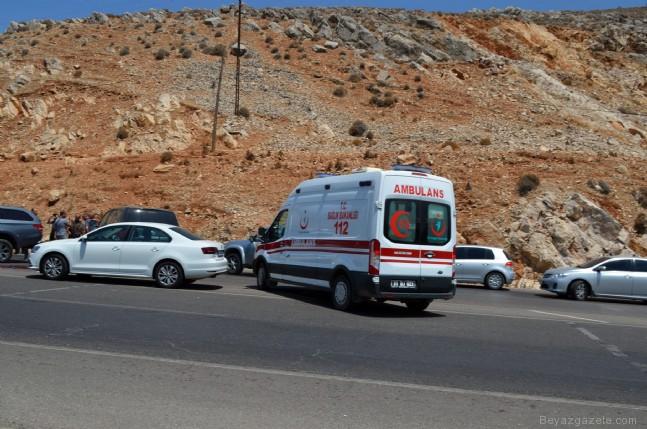 pkk teror orgutu - Çatışma çıktı! 1 terörist ölü, 3 terörist sağ yakalandı