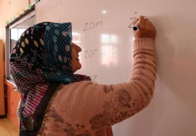 İranlılar'dan Okuma Yazma Seferberliğine Destek