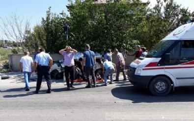 Yolcu otobüsü ile otomobil çarpıştı! 2 ölü, 1 yaralı