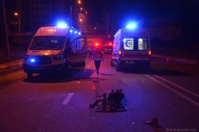 Motosikletle Otomobil Kafa Kafaya Çarpıştı: 2 Ölü