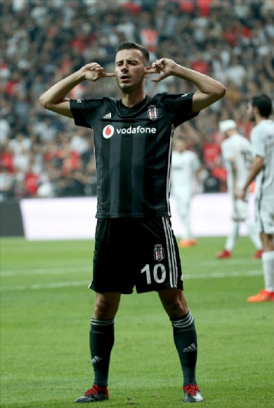 Beşiktaş- Partizan Maçından En Güzel Fotoğraflar