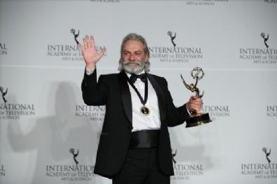 Haluk Bilginer 47. Uluslararası Emmy Ödülleri'nde 'en iyi erkek oyuncu' seçildi