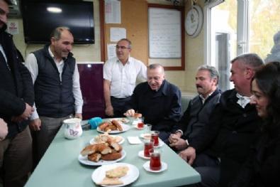 Cumhurbaşkanı Erdoğan, Taksi Durağında Çay İçti