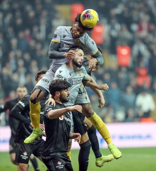 Beşiktaş Evinde Yara Aldı