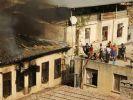 Bir tarihi bina daha yangında kül oldu