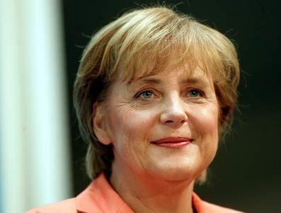 ROLAND KOCH - Merkel'e isyan